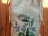 Вышитый льняной мешочек